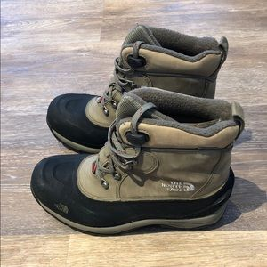 Northface snow boots